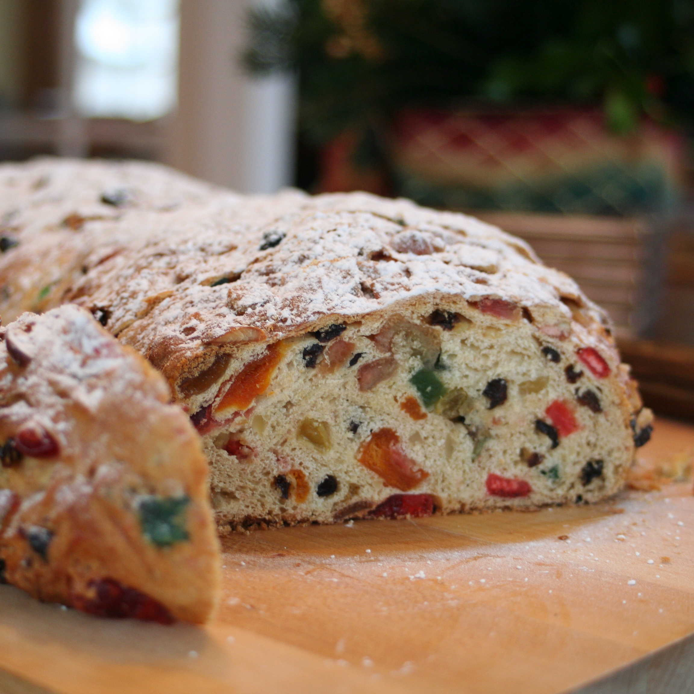 Stollen_with_candied_fruits